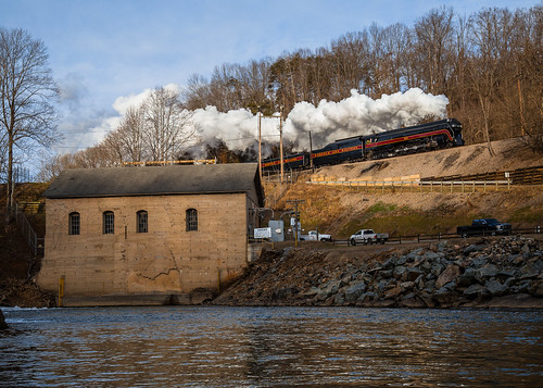 nw norfolkandwestern 611 fireup611 roaonke va virginia river dam steam train history appalachia sunrise