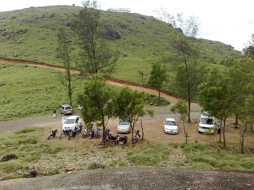 shozu parking hill ponmudi thiruvananthapuram