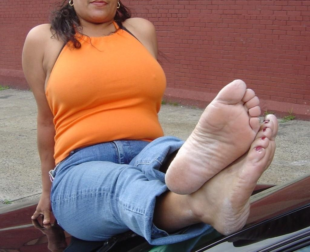 Mature Stinky Nylon Feet