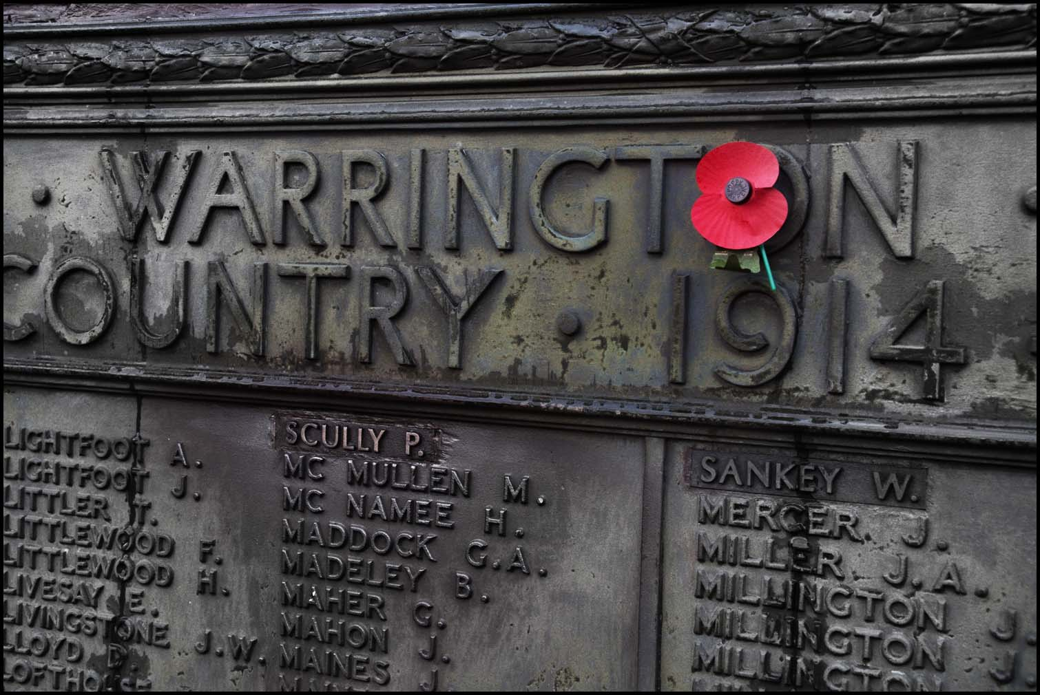 poppy,day,Remember,those,who,gave,their,lives,war,for,our,country,today,red,Warrington,cheshire,cenotaph,dead,soldiers,soldier,fighter,fighters,great,2nd,second,world,WW1,WW2,WWI,WWII,Sunday,Remembrance Sunday,Remembrance,grey,gray,metal,metalic,365days,old,stuff,hotpix!,remembrence,england