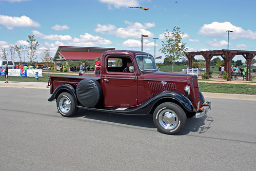 1935 Ford Half-Ton Pickup (3 of 5) | by myoldpostcards