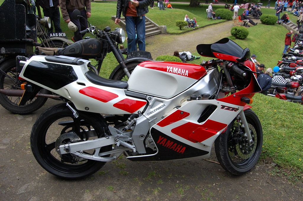 YAMAHA TZR 250  1986-96  TWIN CYLINDER TWO STROKE    Flickr
