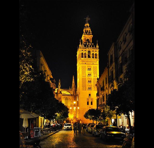 Sevilla : La Giralda  - 1 -