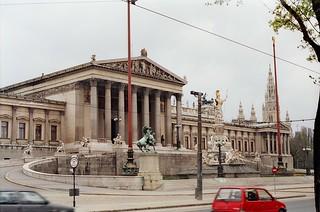 132. //60/50/75/1.f - Austrian Parliament / City Hall, Vienna 1987
