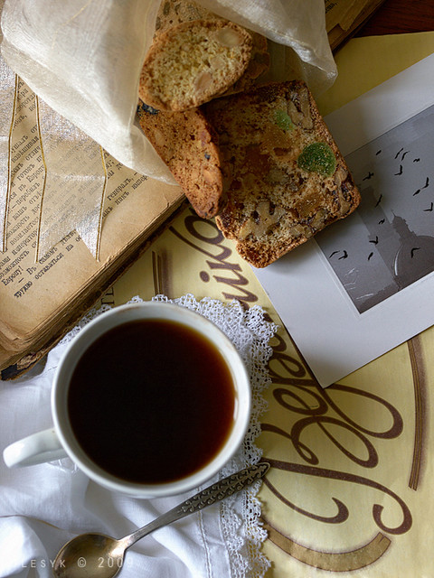 Biscotti & cup of coffee