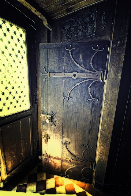 Vlad the Empaler's home sweet home : the door to the crypt