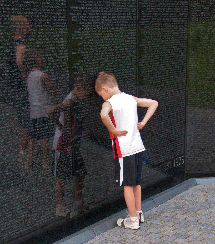 Vietnam Memorial, Aug 2009 - 30   Note: this photo was ...