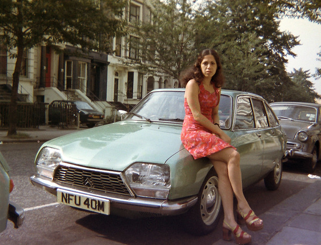 Citroen GS1220 Club car NFU40M with Margarita Voyias from Cyprus in London 1973
