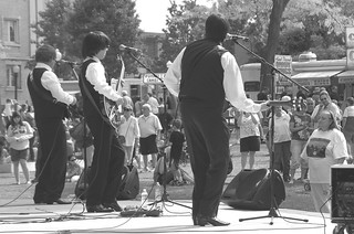 The Liverpool Lads perform at Lake Anna (B&W)
