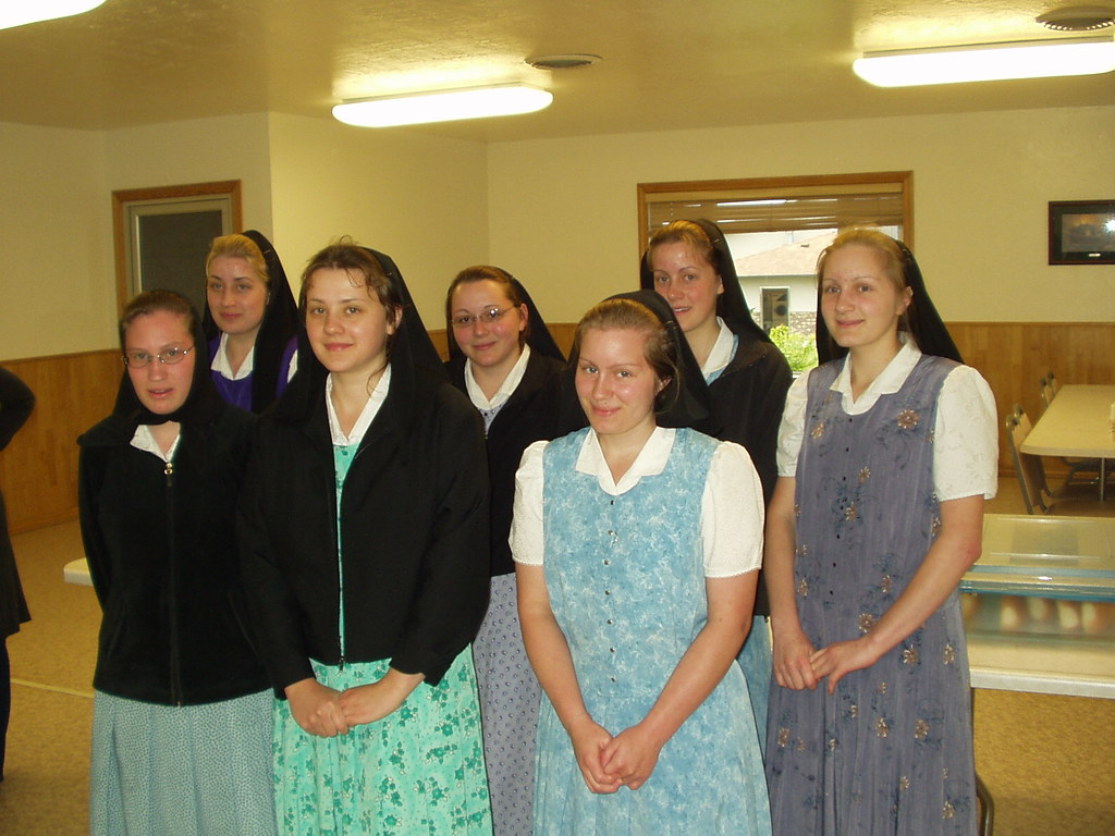 Hutterite Girls | From Bruderhof (colony) north of Pipestone