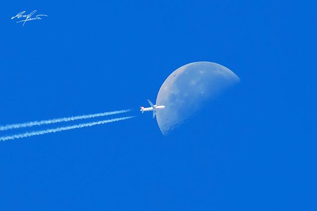 奔月/A pasa por la luna/fly to the moon