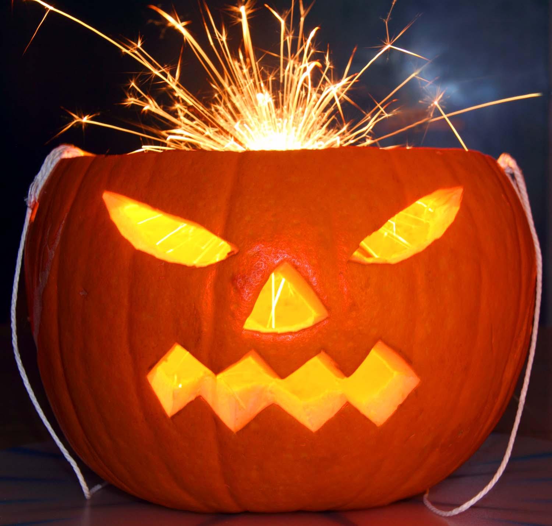 Pumpkin,punpkin,halloween,sparkler,cut,faces,face,yellow,orange,party,celebration,sparks,glow,ambiant,low,light,fire,work,firework,HotpixOrgUK,head,365days,festival,fetes,dark,disturbia,hotpix!,Quotidiae,tony smith photography,tdktony,tdk,tony,tdktonysmith,Jack,o,lantern,jack-o-lantern,Lanten
