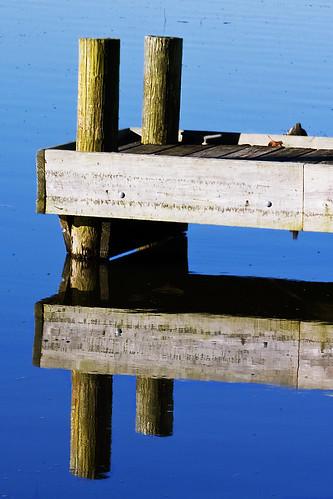 reflection water reflecting pier nc northcarolina reflexions canecreek waxhawnc canecreekpark ghholt 11282009