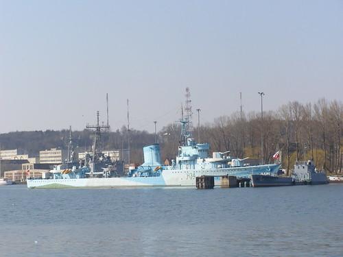 sea port harbor dock ship harbour navy poland polska vessel baltic wharf gdynia basen morze bałtyk baltyk morzebałtyckie statek pomorze pomorskie okręt okret marynarka morzebaltyckie nabrzeże nabrzeze