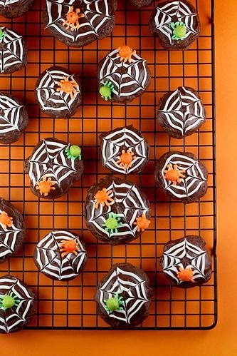 Trix Cereal Spider Cookies   by Bakerella