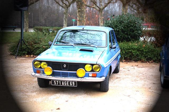 renault 12 gordini avant bleue avant retro car meeting décembre 2009