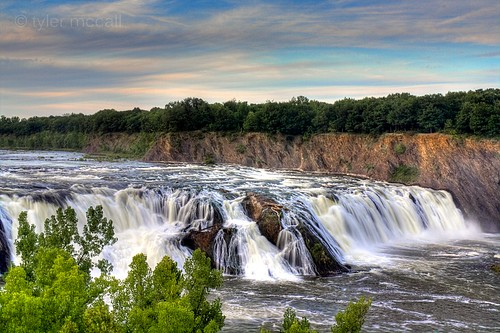 sky tree water rock clouds landscape waterfall hudson cohoes canonrebelxs canonefs1855mmf3556is canoneos1000d tylermccall