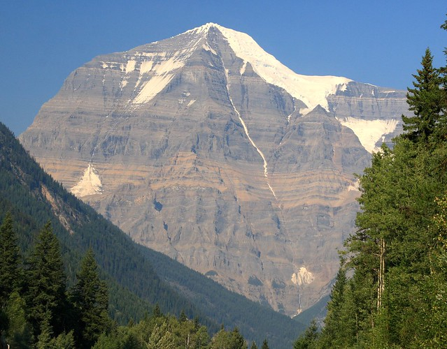 First view of Mt. Robson coming from the West - great view, even with a sky obscured by smoke from forest fires