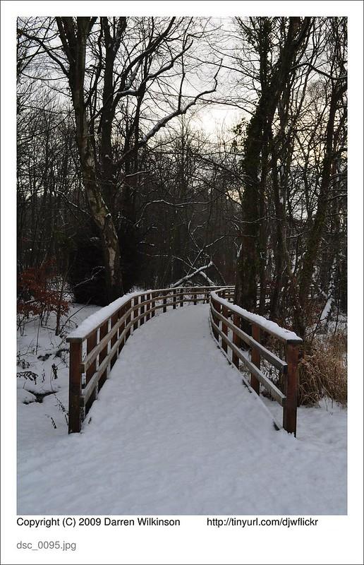 (Snow?)board walk