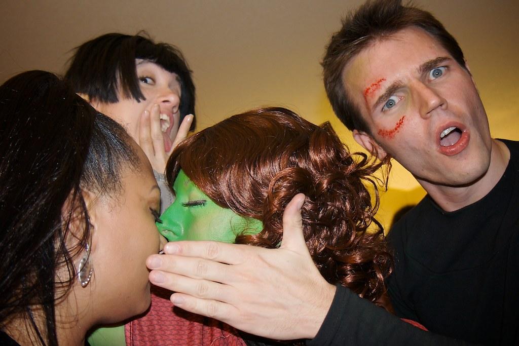 [Dragon*Con 2009] Uhura, Spock, Gaila and Kirk from Star Trek