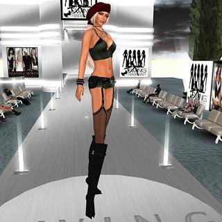 Runway Diva T&S Nov 09
