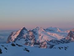 …i ve 20.20 na východní část Bernských Alp.