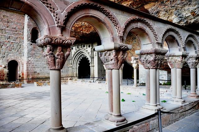36 - Claustro del Monasterio de San Juan de la Peña - Huesca - Spain