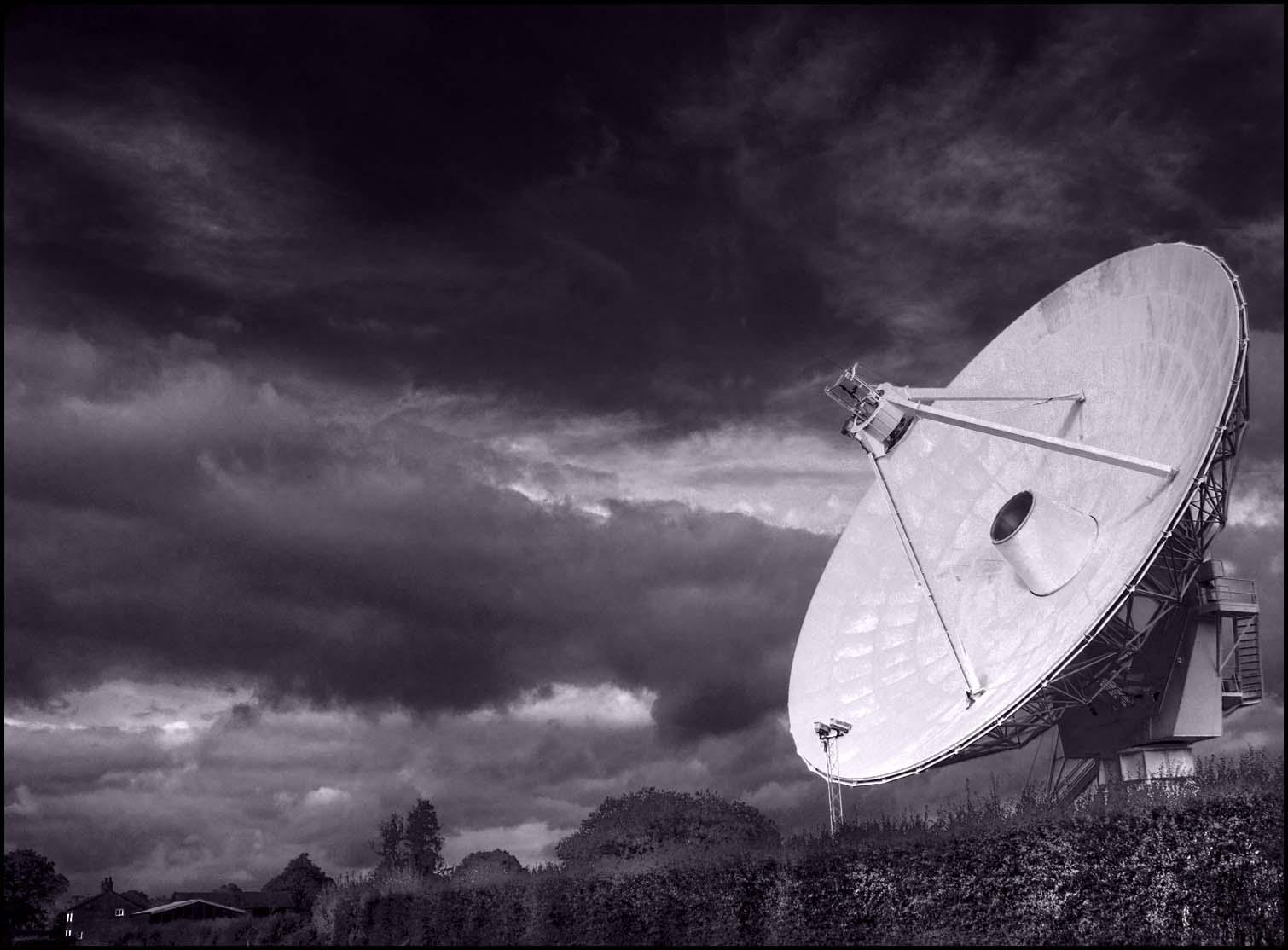 Plumley,Cheshire,England,UK,radio,telescope,countryside,A556,black,white,toned,tinted,mono,monochrome,disk,sky,365days,hotpix.org.uk,www.hotpix.org.uk,B/W,this photo rocks,HDR,high dynamic range,interesting,place,places,hotpix!