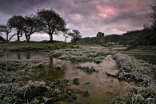 winter castle wales sunrise frost ogmore bridgend ogmorecastle riverewenny