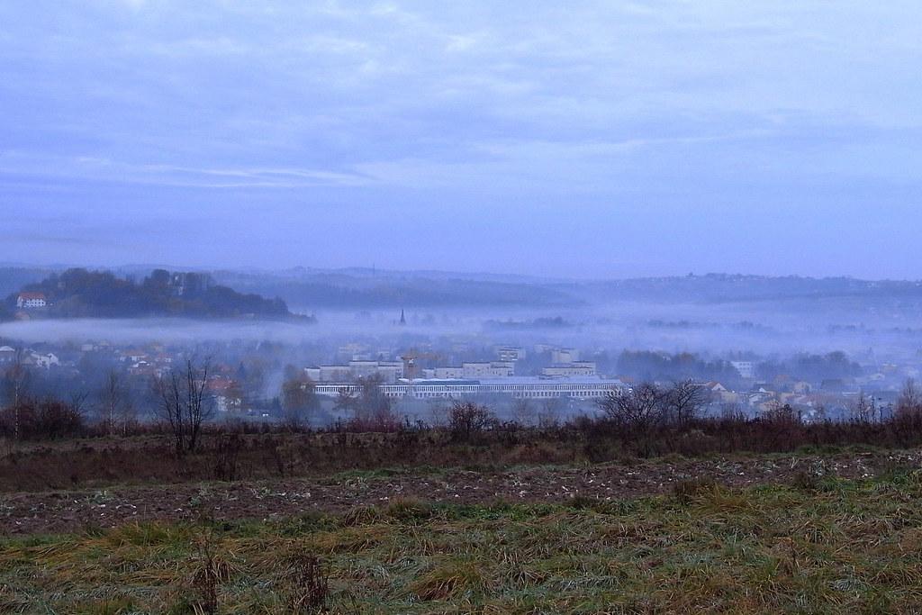 Pod kocem mgły / Under a blanket of fog