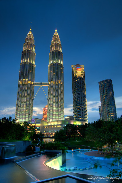 world's tallest twin tower