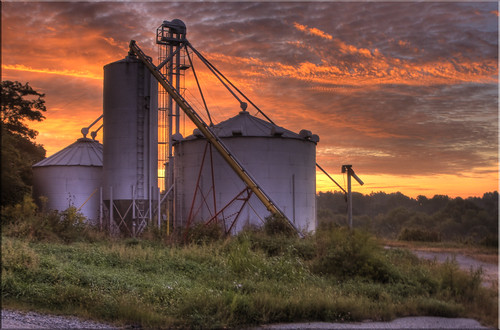 clouds sunrise dawn silo 2010 norristownfarmpark abigfave canoneos40d theperfectphotographer summer2010