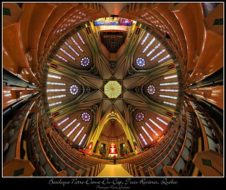 Basilique Notre-Dame-du-Cap | by Mario Groleau photo
