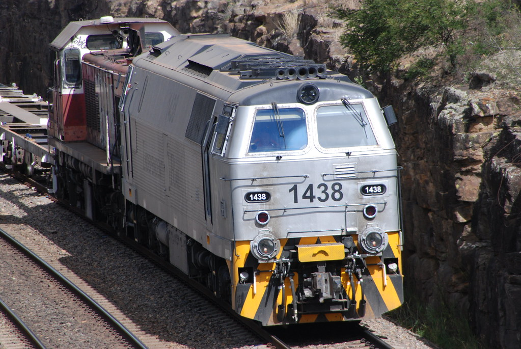 Independent Rail Australia - MZ Class and 47 Class by Tim Pruyn