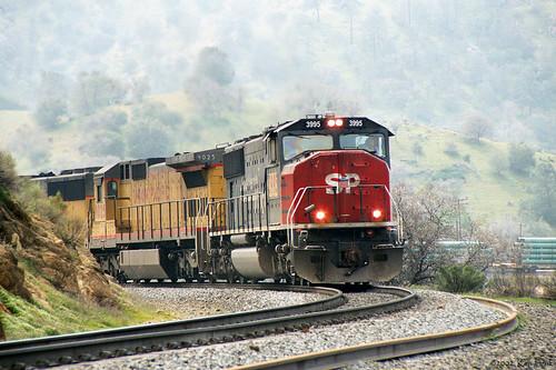 california mountains canon outdoors trains sp transportation canondslr tehachapi locomotives railroads emd movingtrains kenszok
