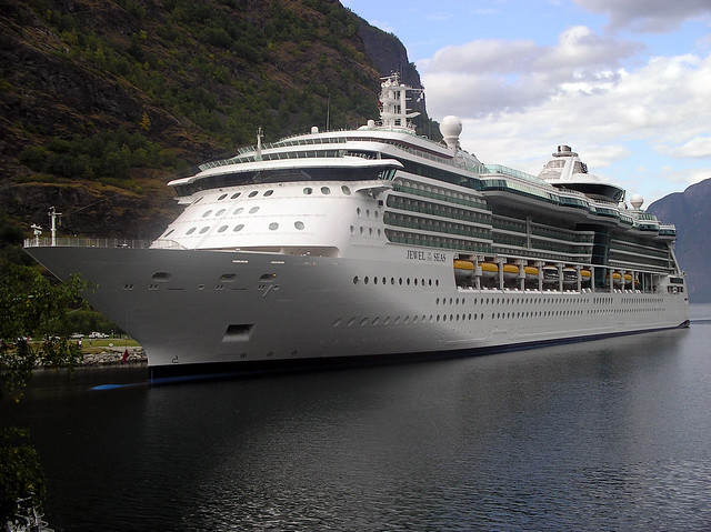 Jewel of the Seas  Flåm 2004