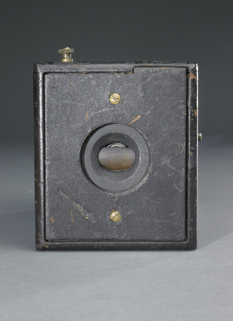 Original Kodak, 1888 | George Eastman invented flexible roll