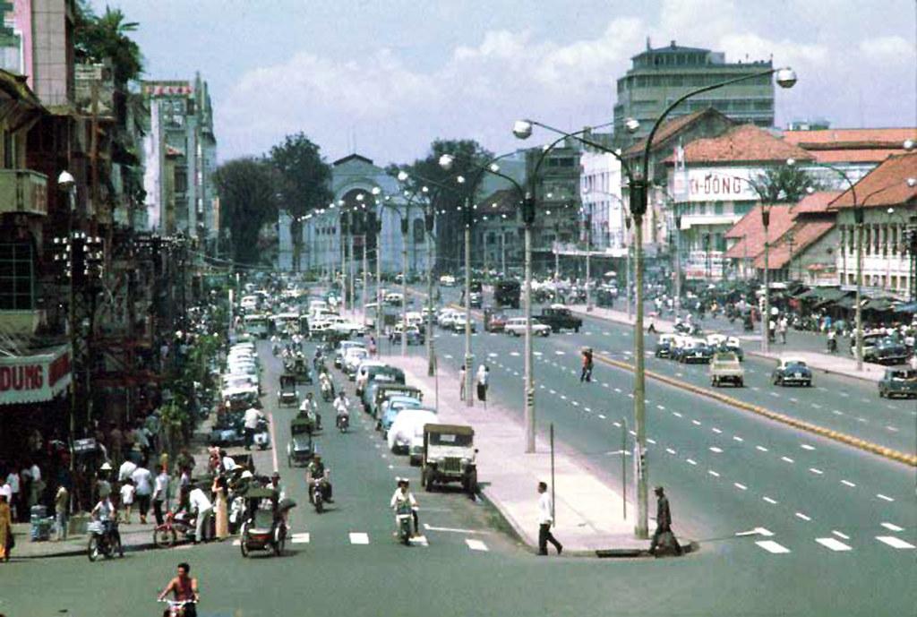 Saigon - Le Loi Avenue | manhhai | Flickr