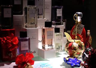 Union Station Perfume Display   by Mr.TinDC