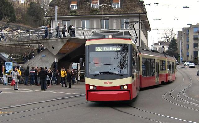 Forchbahn in Zürich Stadelhofen