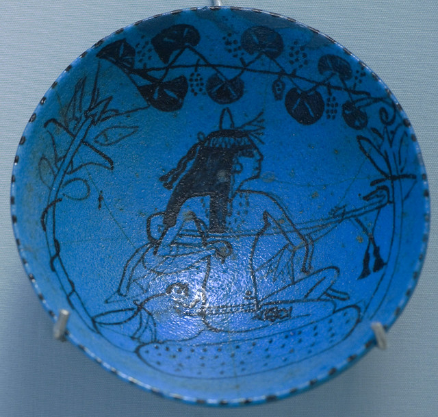 Lute player, Egyptian faience wine dish (RMO Leiden, 1400-1300bc Egypt, 4.5x14cm)