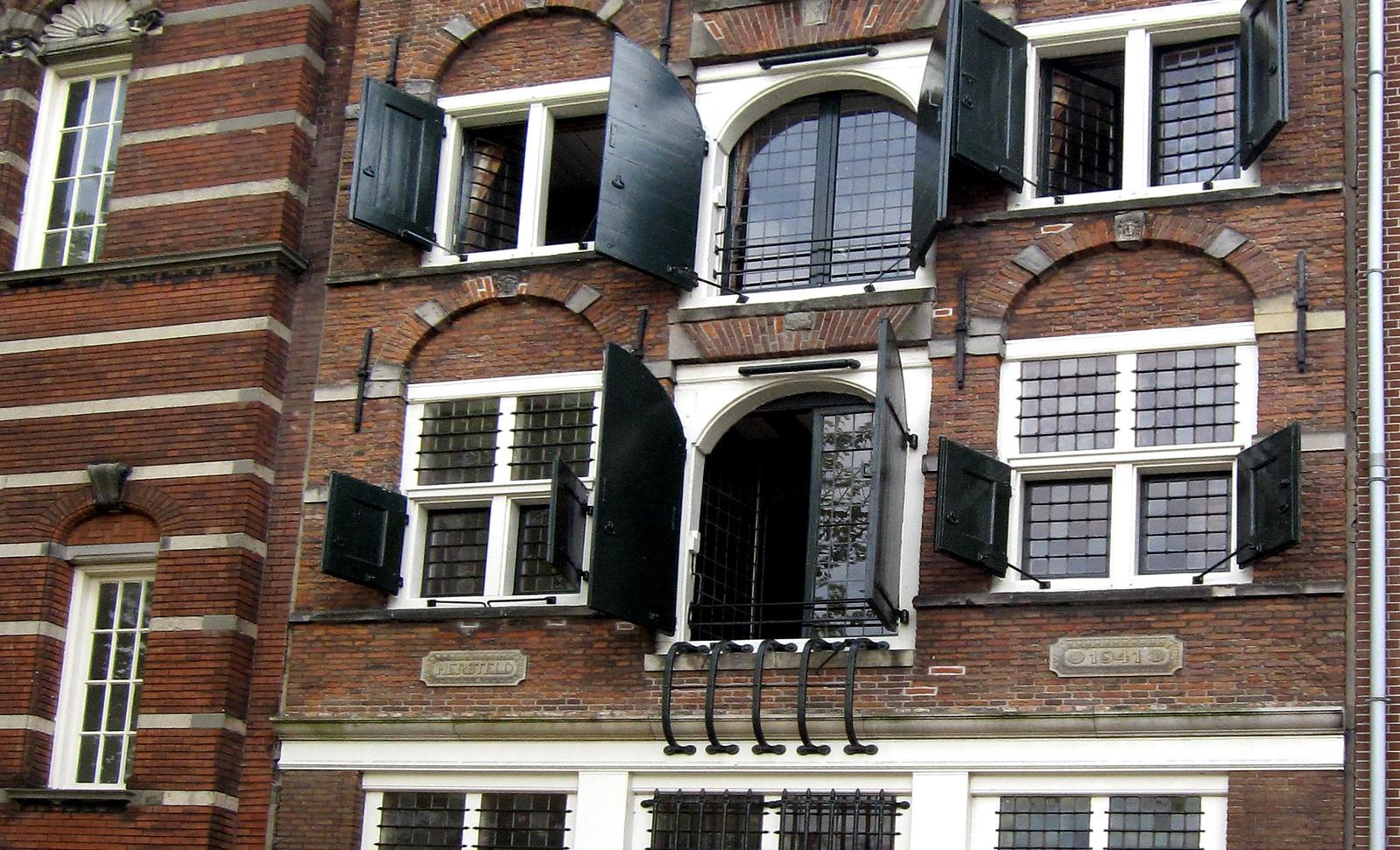 Amsterdam 542