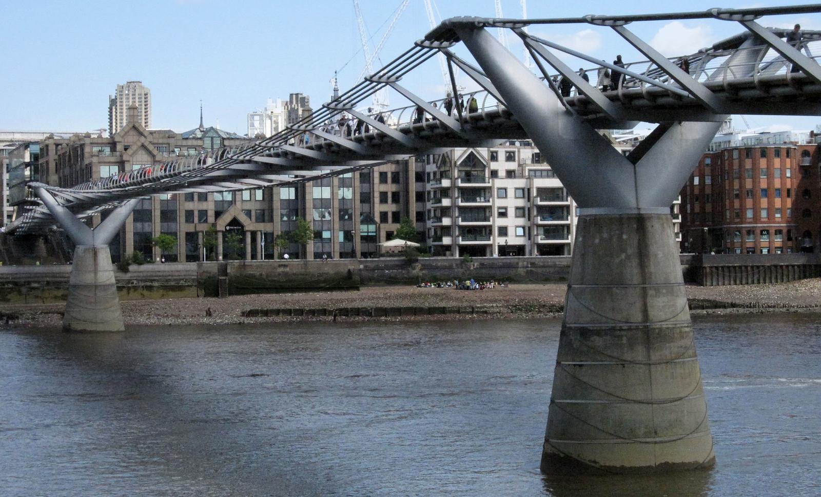 London 373