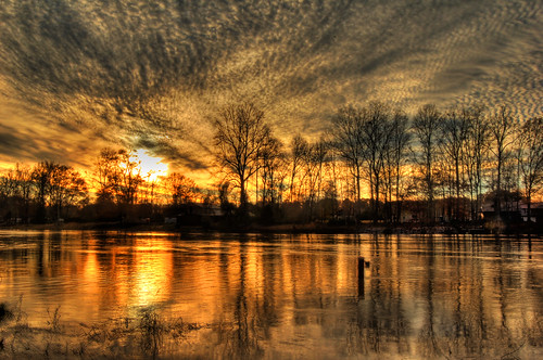 sunset sky color water clouds reflections wintersunset nikond50 coosariver etowahcounty hokesbluffferry hokesbluffalabama loriwalden hokesbluffferrylanding