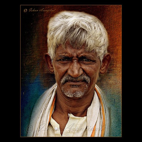 old portrait people india man black texture face canon dark person eyes corn time indian kittens oldman story human age bombay vendor mumbai stories wrinkles oldage seller sweetcorn khadi saltnpepper 1000d canon1000d gamcha dragondaggeraward ishanaranjikal aranjikal sweetcornseller buttawala
