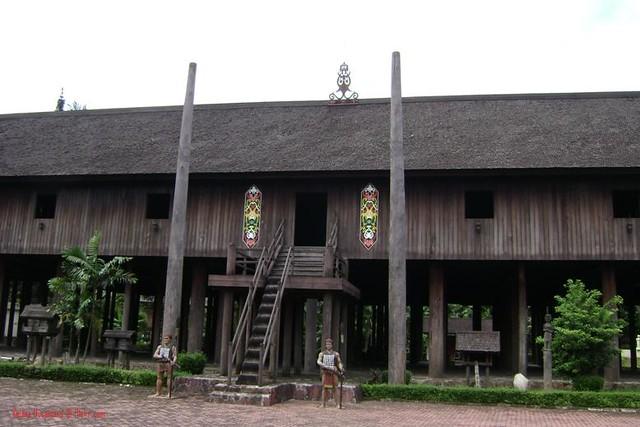 630 Koleksi Gambar Rumah Adat Kalteng HD Terbaru