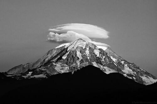 blackandwhite bw mountain landscape volcano nationalpark glacier explore mountrainier lenticularcloud mtrainiernp nikond90