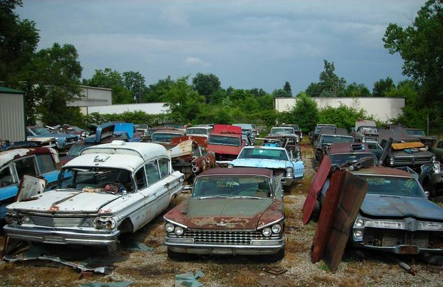 Junkyard variety - 1960 Pontiac, 1959 Buick | If they could