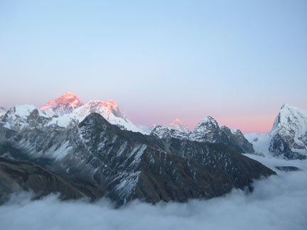 Mt. Everest at Sunset | by everlutionary