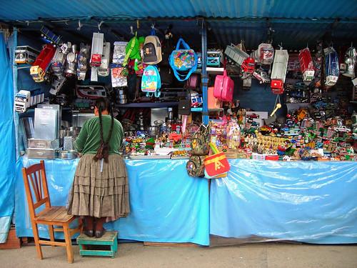 La Paz. Bolivia. 2007. Mercado de Alasitas